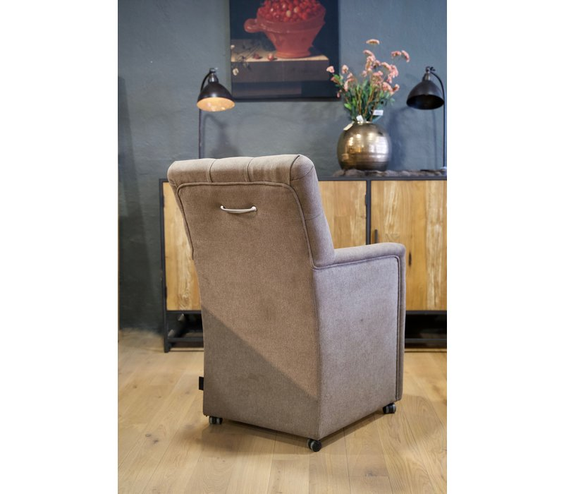 Eetkamer fauteuil Toulouse showroom