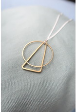 Halsketting zilver met geometrische hangers uit messing, 55cm