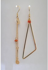 Murielle Perotti oorbel MP 1driehoek asym terracotta/goud