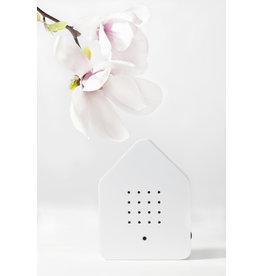 Zwitscherbox - Relaxounds Zwitscherbox Wit - Geluiden: vogelgezang van de Merel - Geluidsduur: 2 min - Geactiveerd door een bewegingsdetector - 3 AA-batterijen inbegrepen - B 11 x H 14,5 x D 3,5 cm - Ideaal voor: badkamer, gastentoilet, entree, gang, kantoor,...
