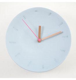Studio Harm & Elke Klok | Wand | Groot | 17cm | Blauw | Secondewijzer Fluo Roos