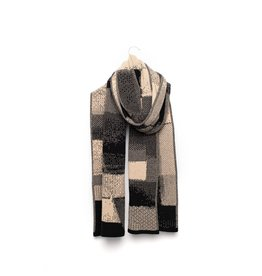 Wolvis Wolvis - 28th of July 1991 - Nude and Anthracite - 220cm x 40 - 100% Merino Wool - 100% made in Belgium
