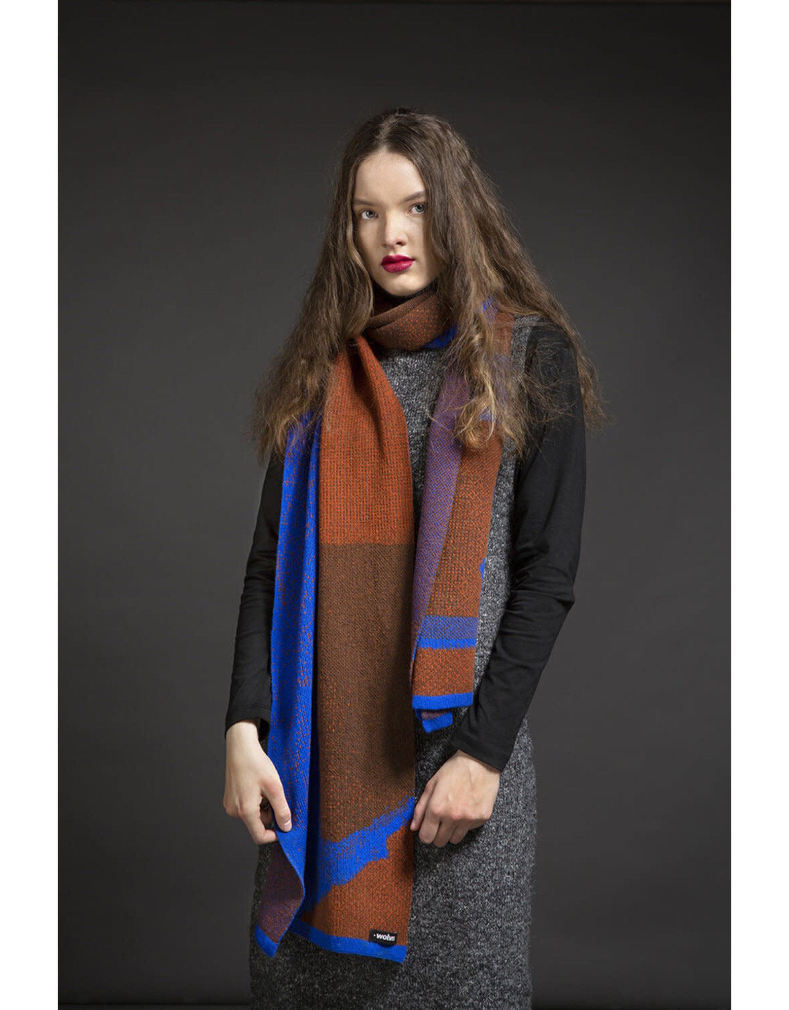 Wolvis Wolvis - 5th of October 2018 - Electric Blue, Cognac and Sepia  - 220cm x 40 - 100% Merino Wool - 100% made in Belgium