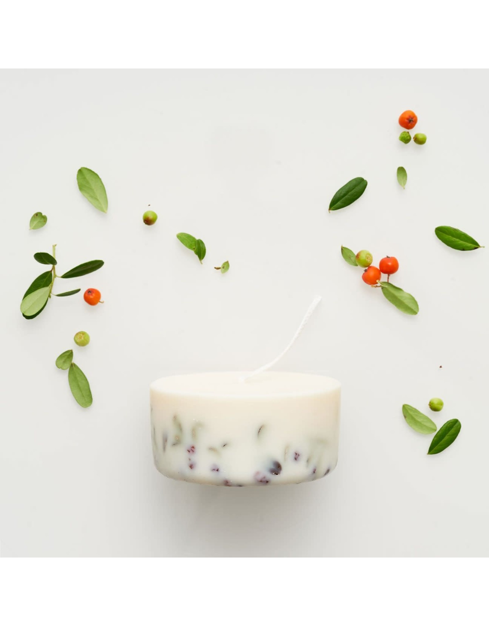 Munio Candela Candle - Ashberries & Bilberry leaves - Natural Soy Wax - 220ml - Dia 8cm x H 4cm - Burn Time 15h