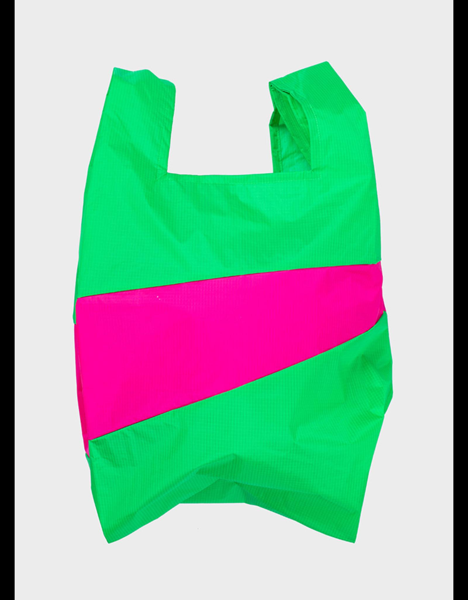 Suzan Bijl Shopping bag L, Greenscreen & Pretty pink | 37,5 x 69 x 34cm