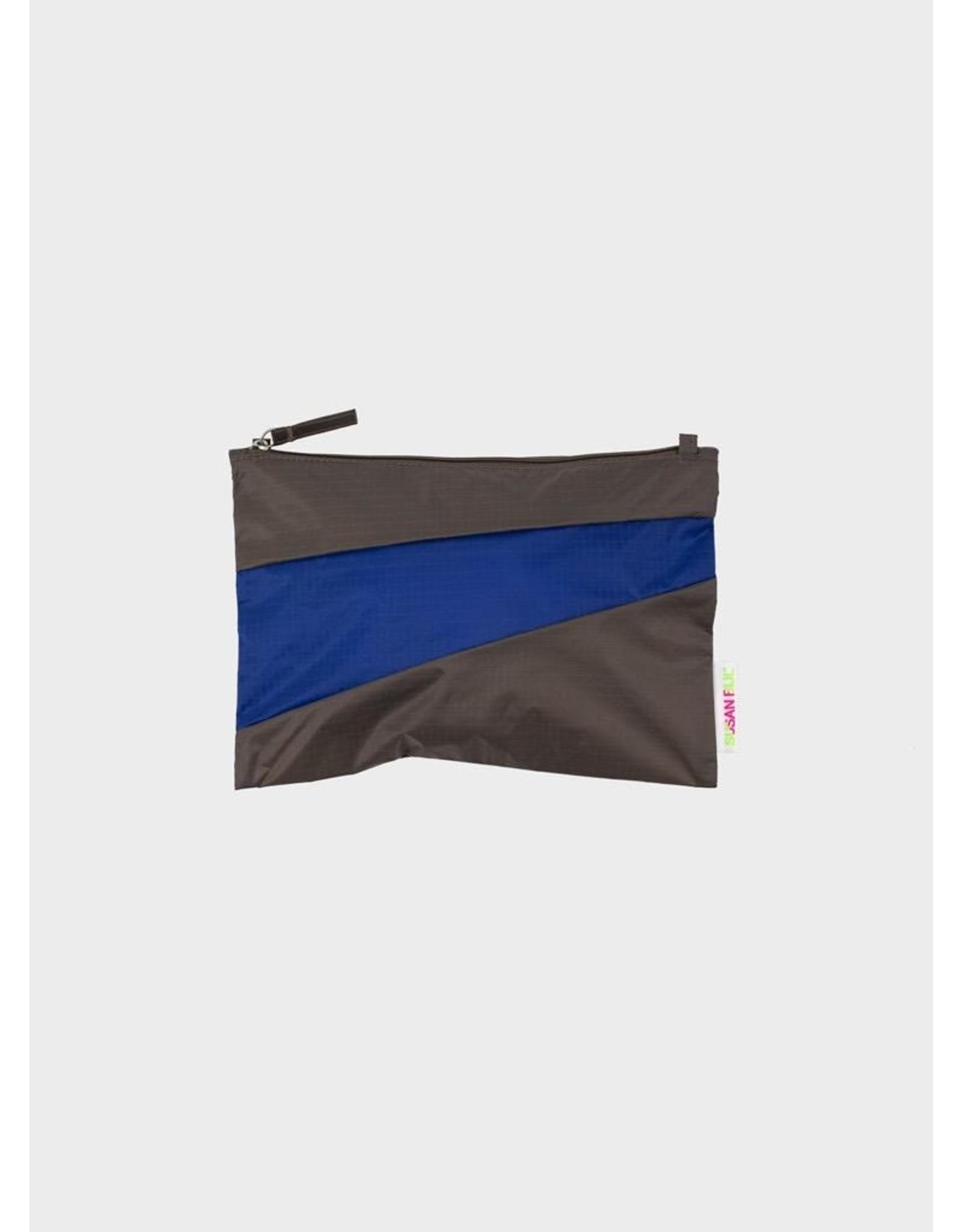 Susan Bijl Pouch M, Warm grey & Electric blue   19 x 29cm