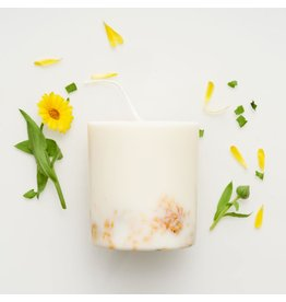 Munio Candela Candle - Marigold flowers - Natural Soy Wax - 515ml - Dia 8cm x H 10cm - Burn Time 50h