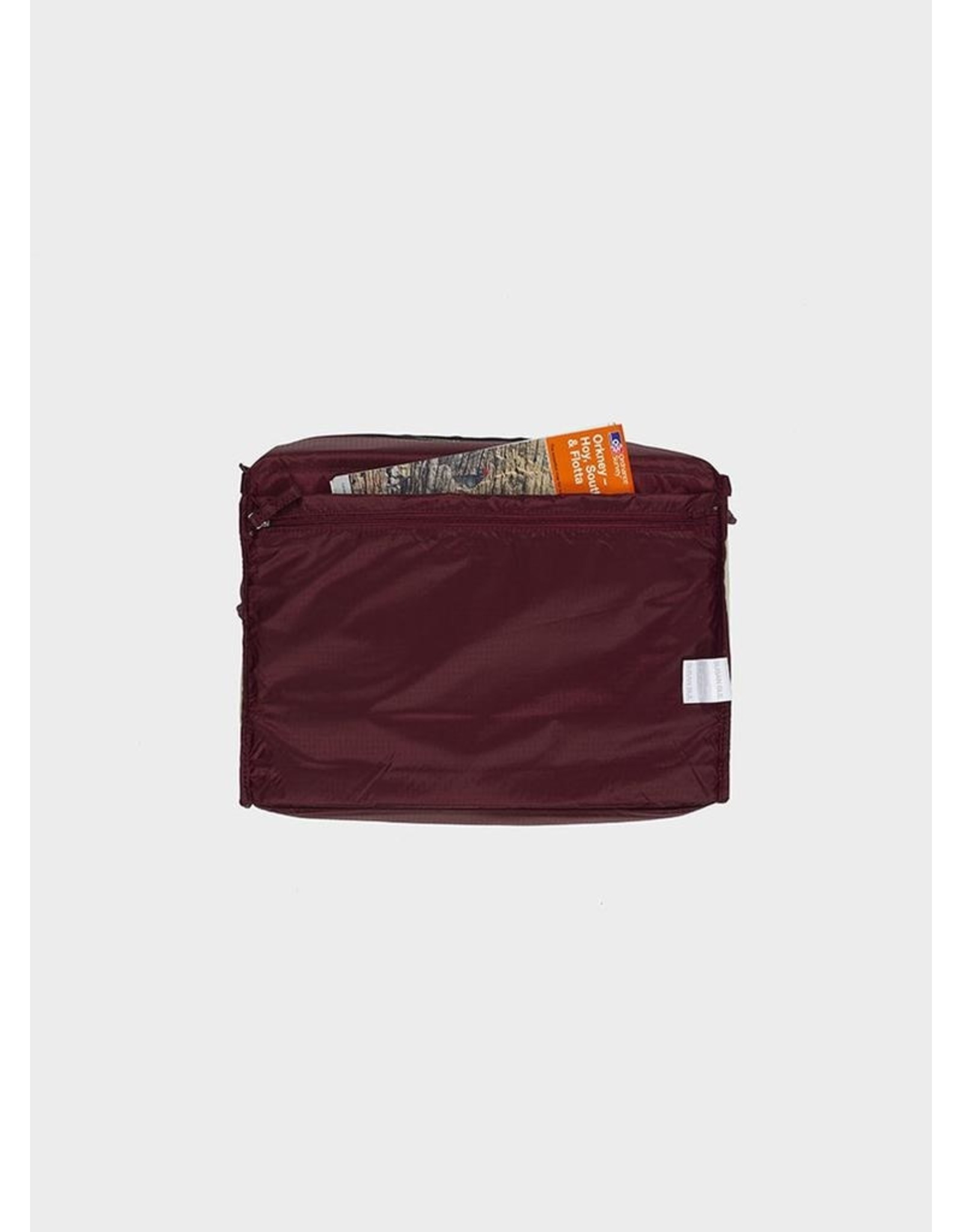Susan Bijl 24/7 Bag - Pistachio & Burgundy - Overnight bag - 39,5 x 18 x 28 cm - 20l - Waterproof