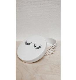 Bloomingville Pot met deksel - Wit - Closed eyes - Ø 15,5cm, H 6cm, H met deksel 8,5cm