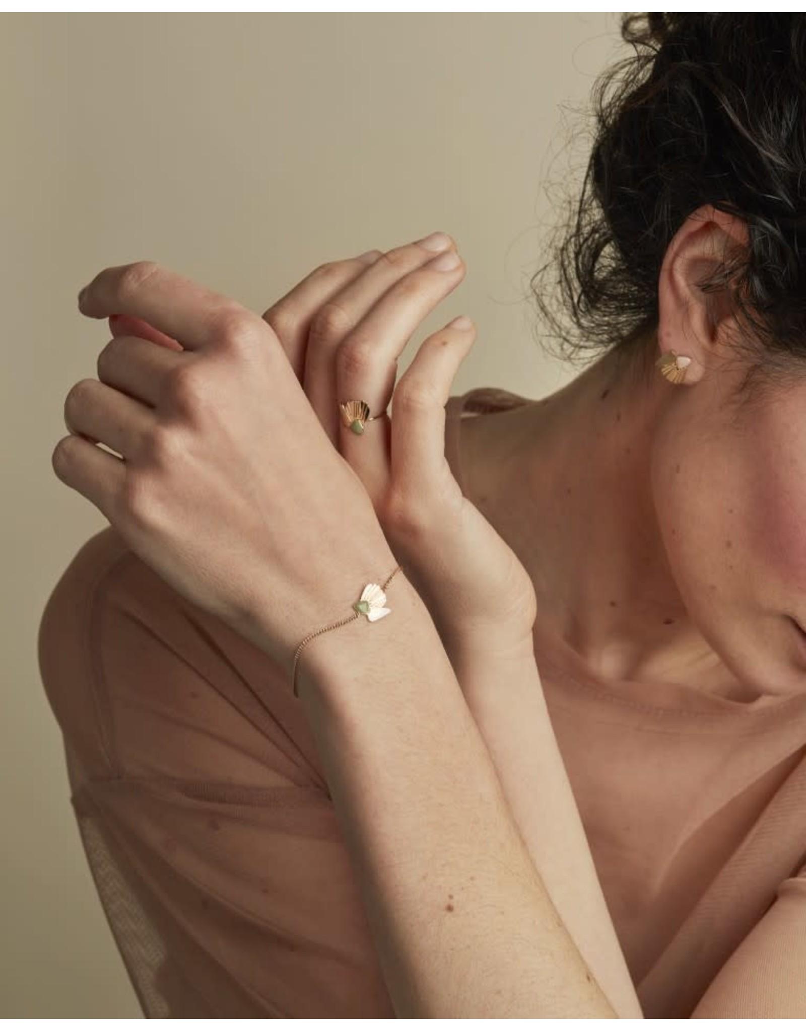 Nadja Carlotti Armband Coquillage - Oud roze - Messing verguld - Geïnspireerd op de rotsen van Lavezii eilanden - Lengt 16 cm + 2 cm - Patroon B 1,2 x H 1,2 cm