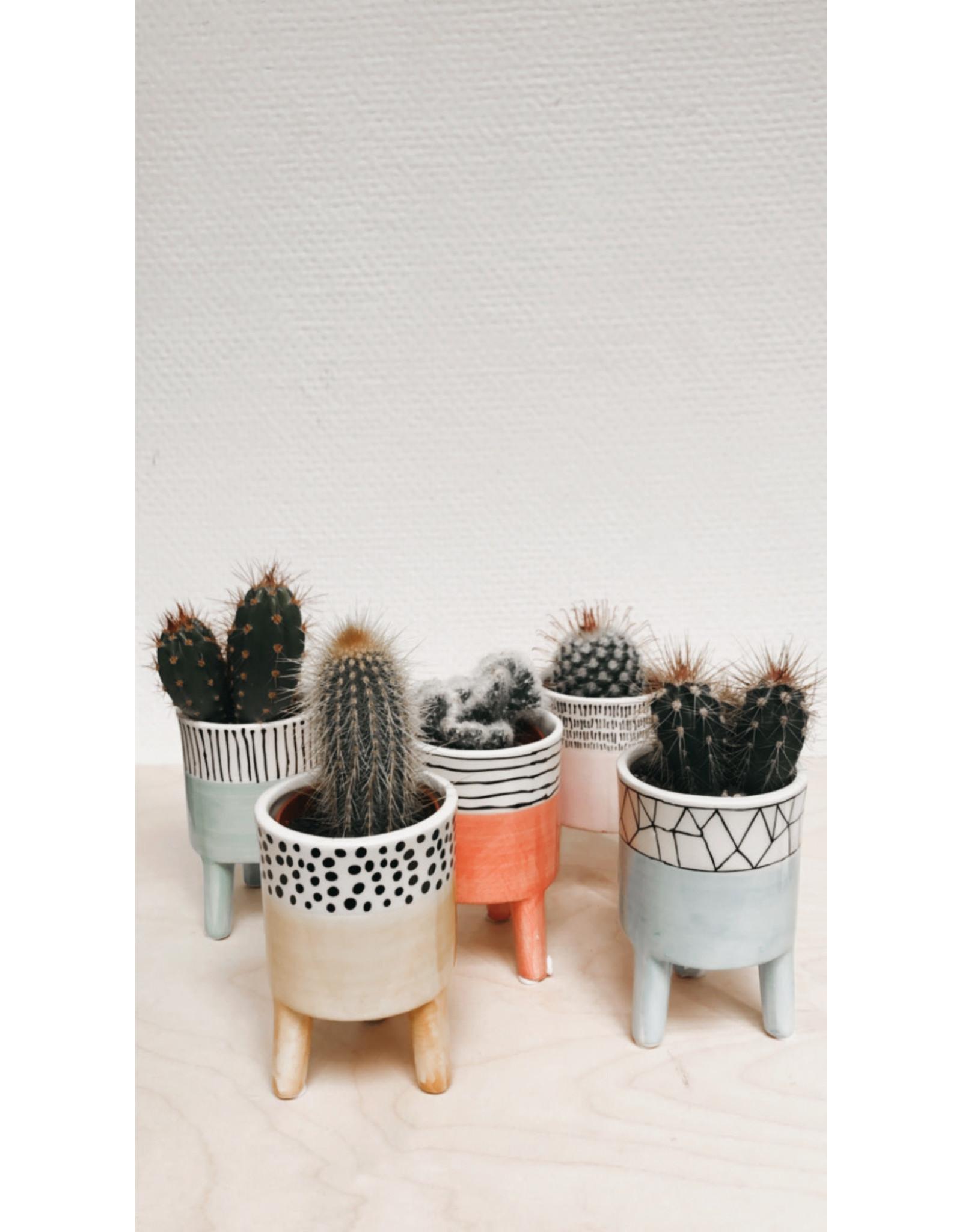 Plantophile Bloempotje 3 pootjes - Oranje & Horizontale lijntjes - Ø 6,5 x H 10 cm