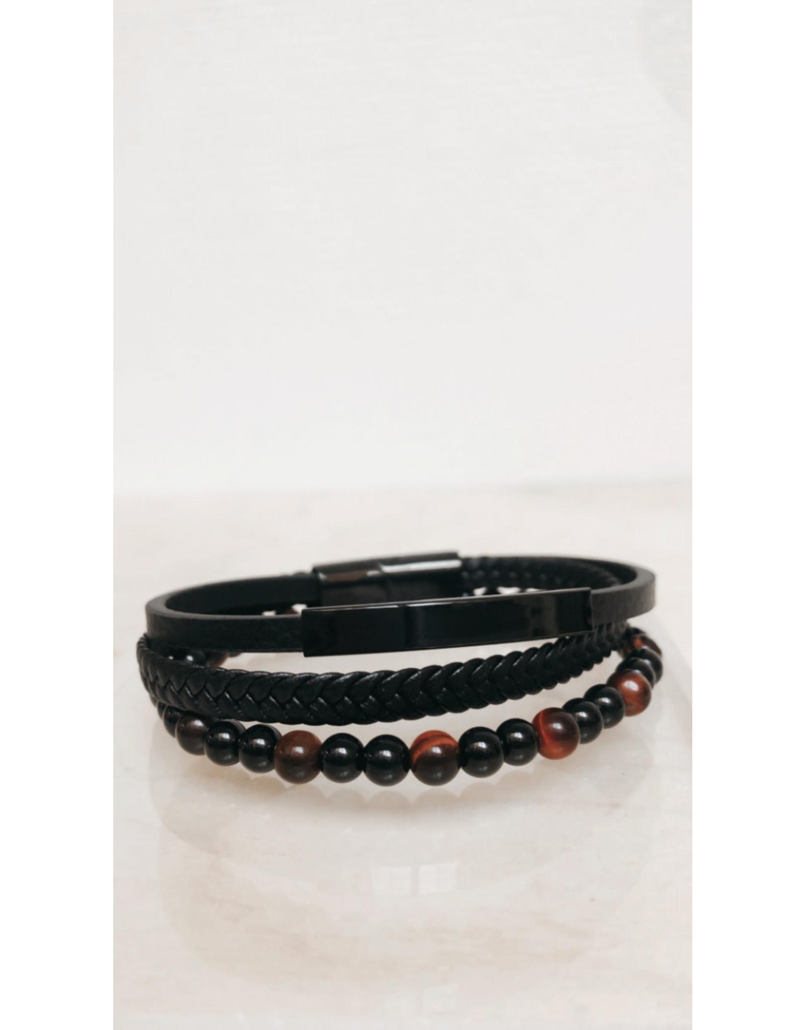 Juwelen Armband - Zwarte en rode parels, Lederen vlecht en ledere band - Mageneet sluiting  - 23 cm