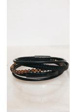 Juwelen Armband - Bruine parels, Lederen vlecht en 3 lederen bandjes - Mageneet sluiting  - 23 cm