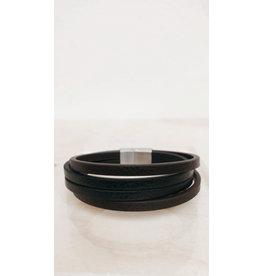 Juwelen Armband - 4 lederen bandjes - Mageneet sluiting  - 23 cm