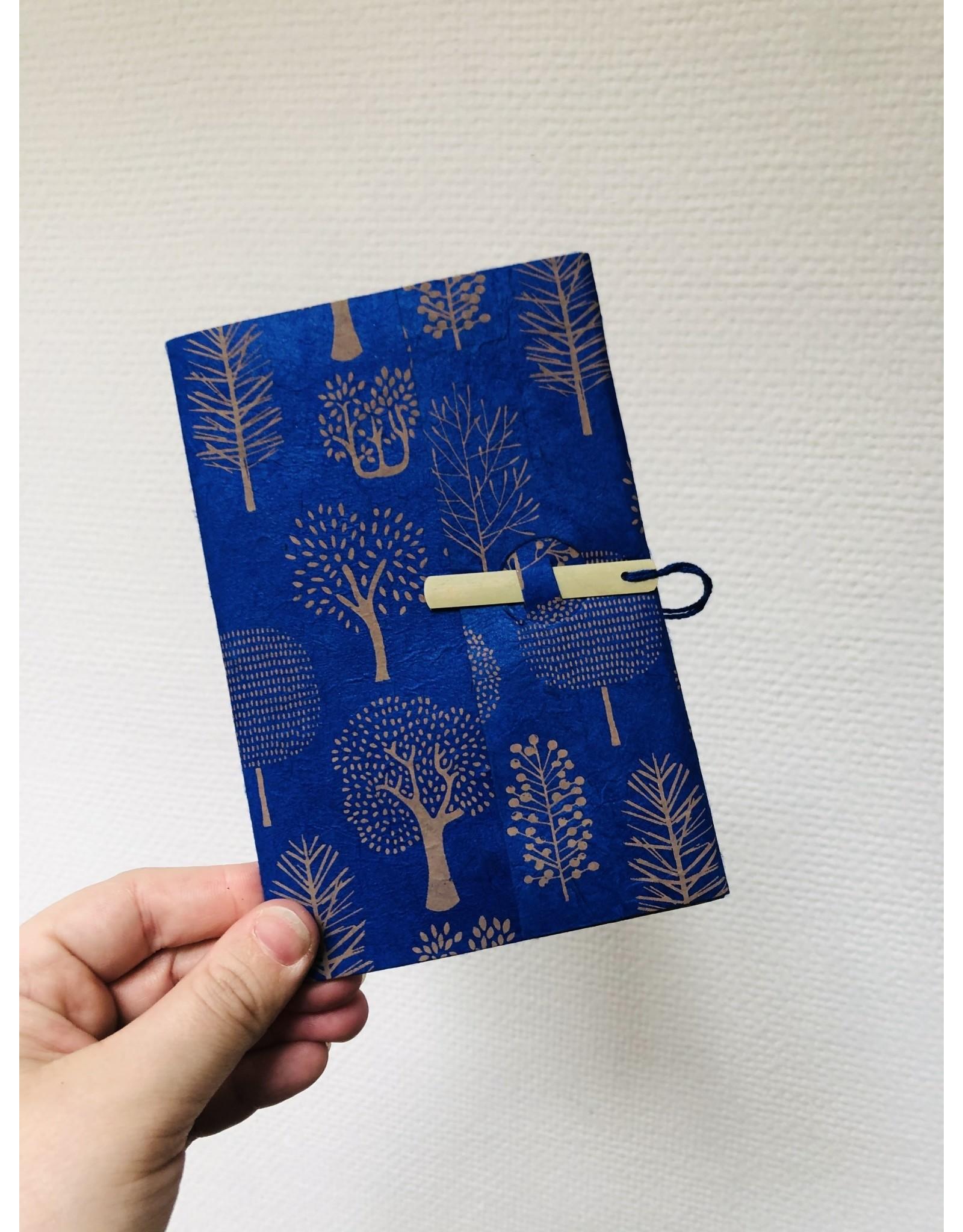 Lamali Boekje Escapade - Blauw Bomen - Zachte papieren kaft  - 20 ivoren pagina's - Handgemaakt 100% katoenpapier - 10  x 15,5 cm