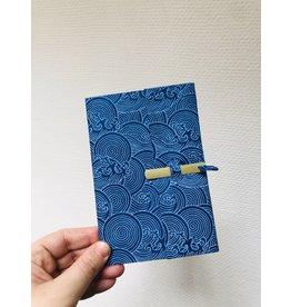 Lamali Boekje Escapade - Blauw Golven - Zachte papieren kaft  - 20 ivoren pagina's - Handgemaakt 100% katoenpapier - 10  x 15,5 cm