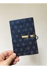 Lamali Boekje Escapade - Blauw Sterren Patroon - Zachte papieren kaft  - 20 ivoren pagina's - Handgemaakt 100% katoenpapier - 10  x 15,5 cm