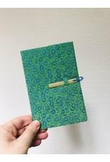 Lamali Boekje Escapade - Groen Bloemen Patroon  - Zachte papieren kaft  - 20 ivoren pagina's - Handgemaakt 100% katoenpapier - 10  x 15,5 cm