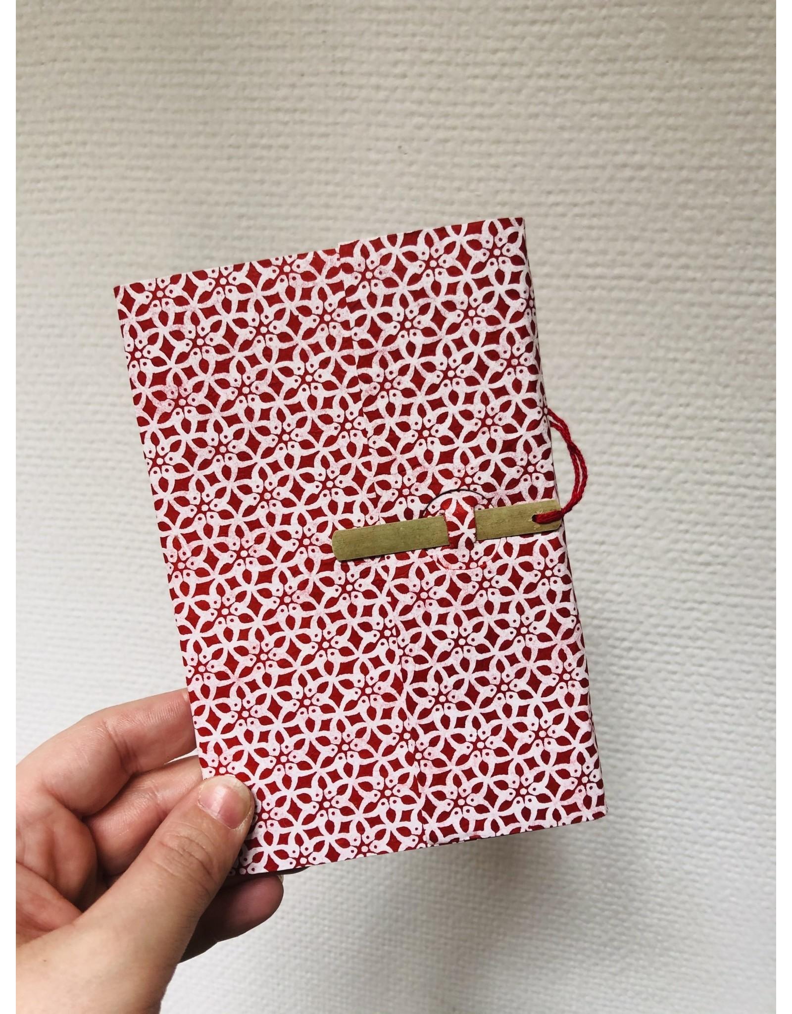 Lamali Boekje Escapade - Rood Bloem Patroon - Zachte papieren kaft  - 20 ivoren pagina's - Handgemaakt 100% katoenpapier - 10  x 15,5 cm