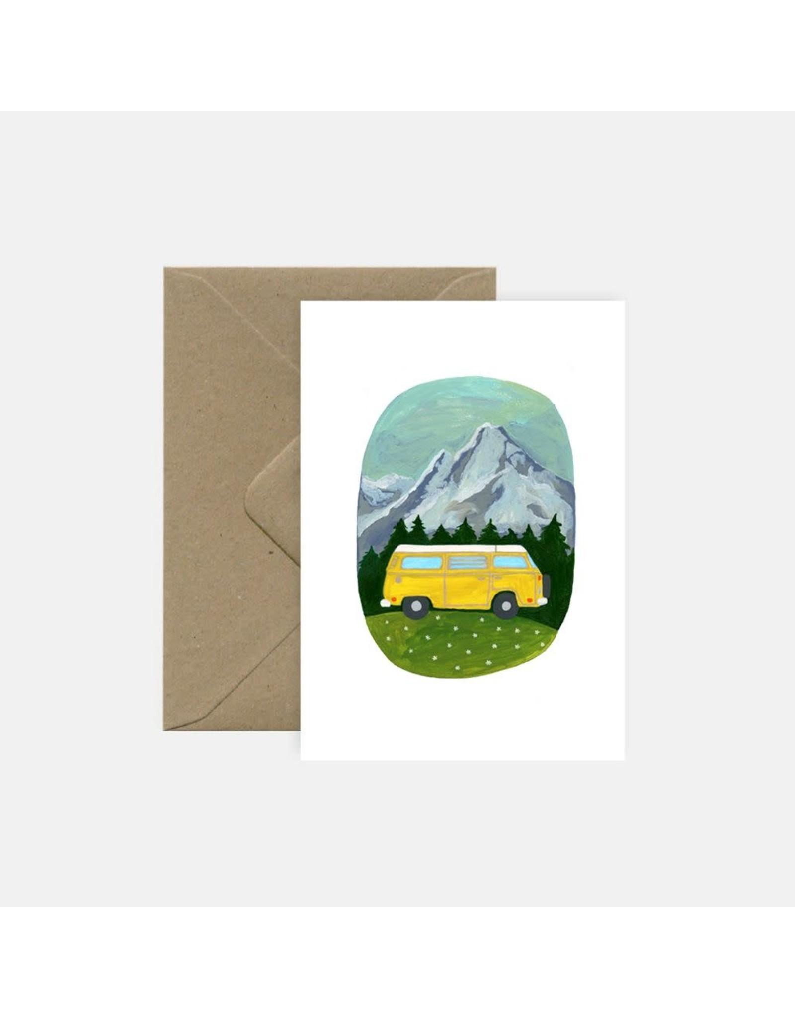 Pink Cloud Studio Wenskaart - Yellow camper - Dubbele Kaart met envelop - blanco