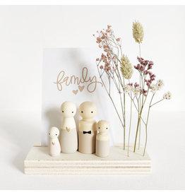 Sweet Petite Jolie Nature Houten Standaard - Quote Family & droogbloemen