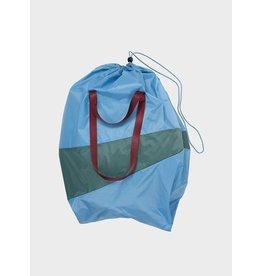 Susan Bijl The Trash Bag XL, Sky Blue & Pine - 37 x 77 x 33 cm