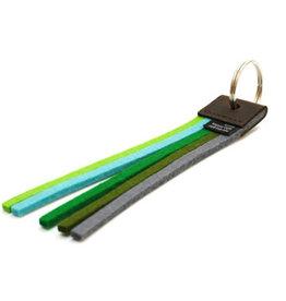 Not the girl who misses much Sleutelhanger Tassel -  True Colors Groen - 3 cm x 17 cm