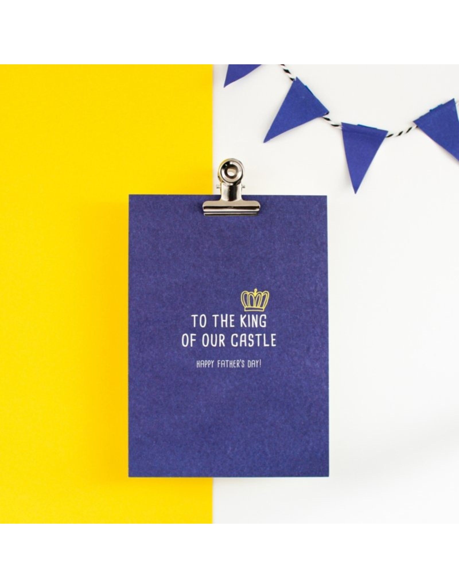 Hello August Postkaart - King of our castle