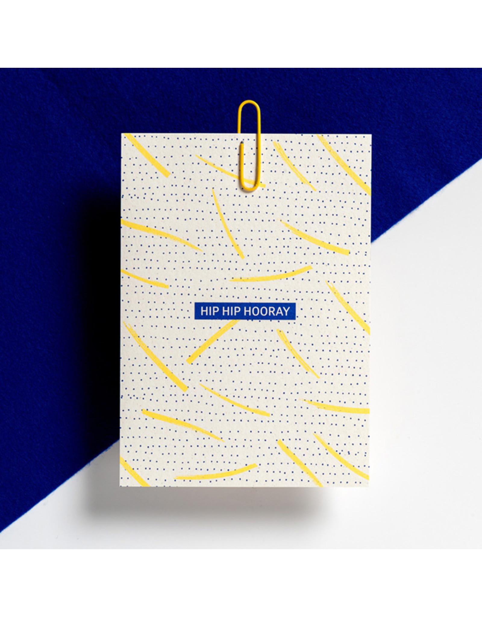 Hello August Postkaart - Hip Hip Hooray