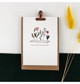 Hello August Postkaart - Geniet van de kleine dingen