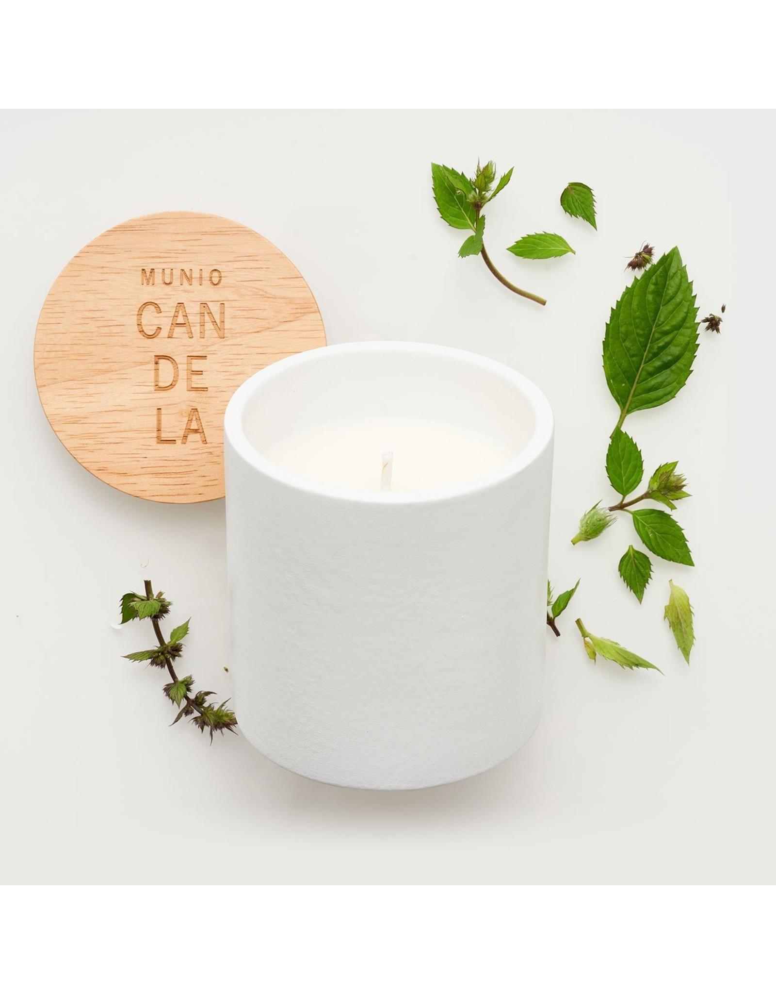 Munio Candela White ceramic votive with peppermint fragrance 300ml