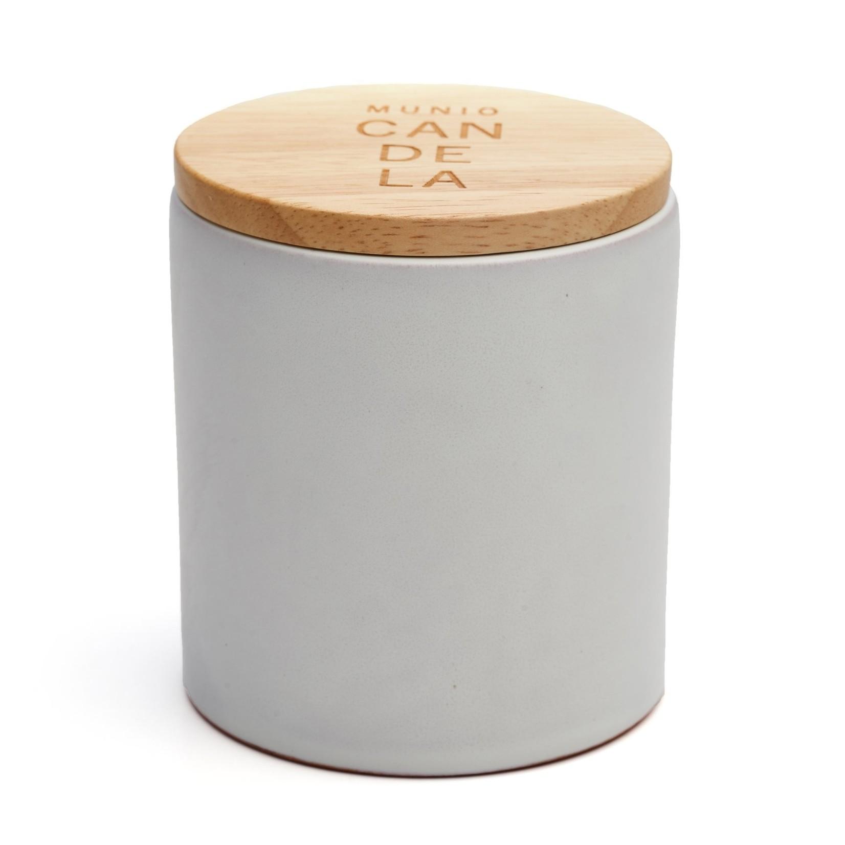 White ceramic votive with peppermint fragrance 300ml