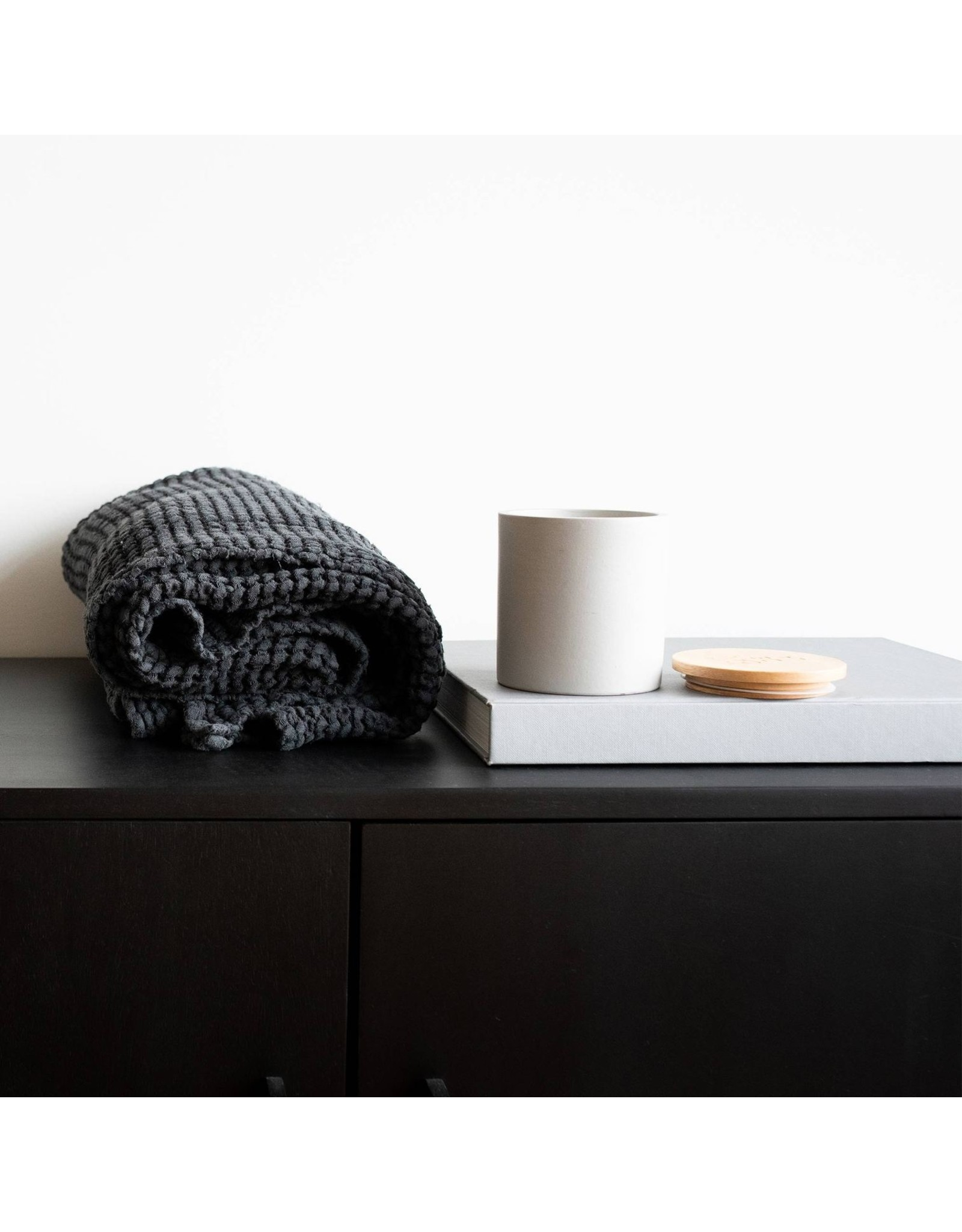 Munio Candela Gray ceramic votive with yarrow fragrance 300ml