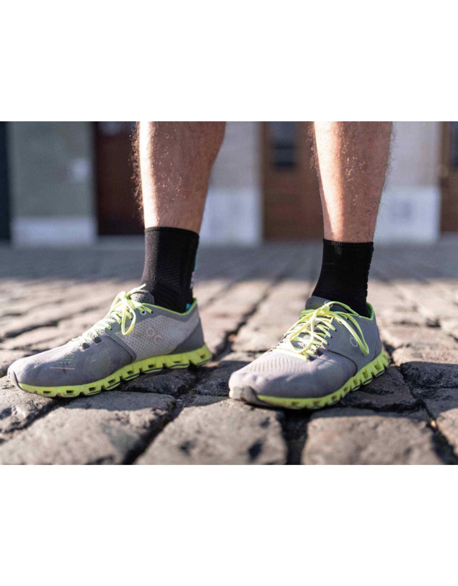 Compressport Pro Marathon Socks Hardloopsokken Hoog - Zwart