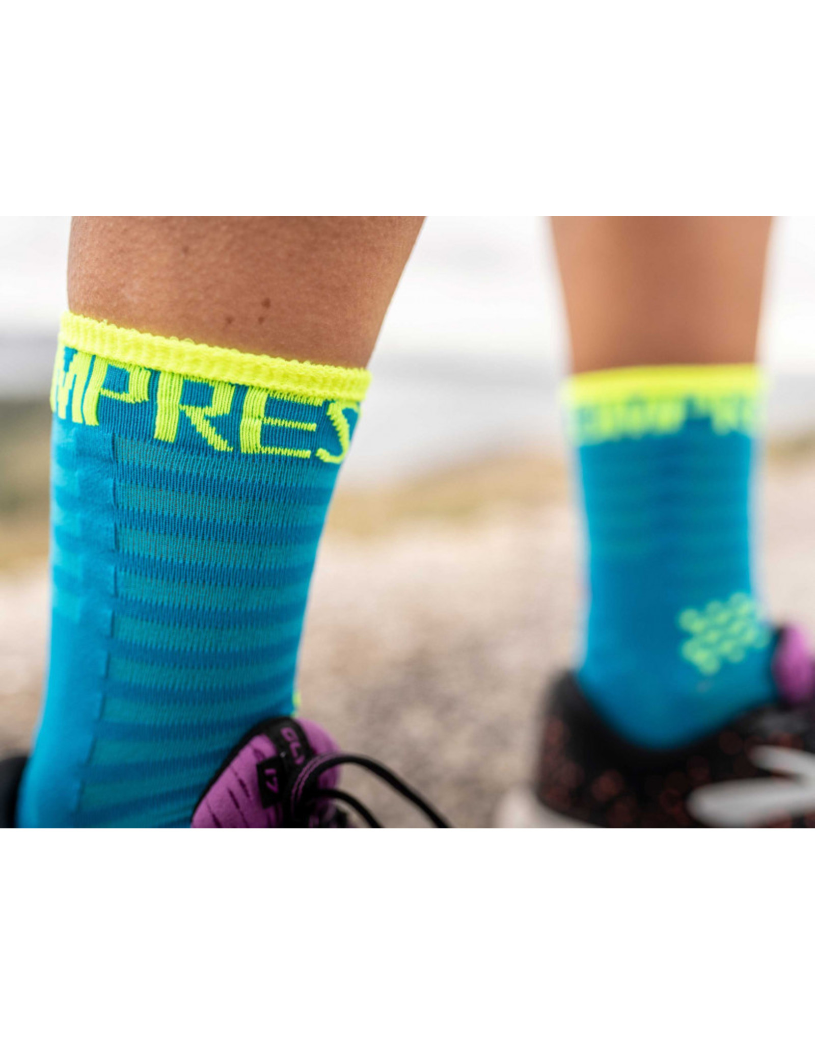 Compressport Pro Racing Socks V3.0 Ultralight Run High Chaussettes De Running - Bleu