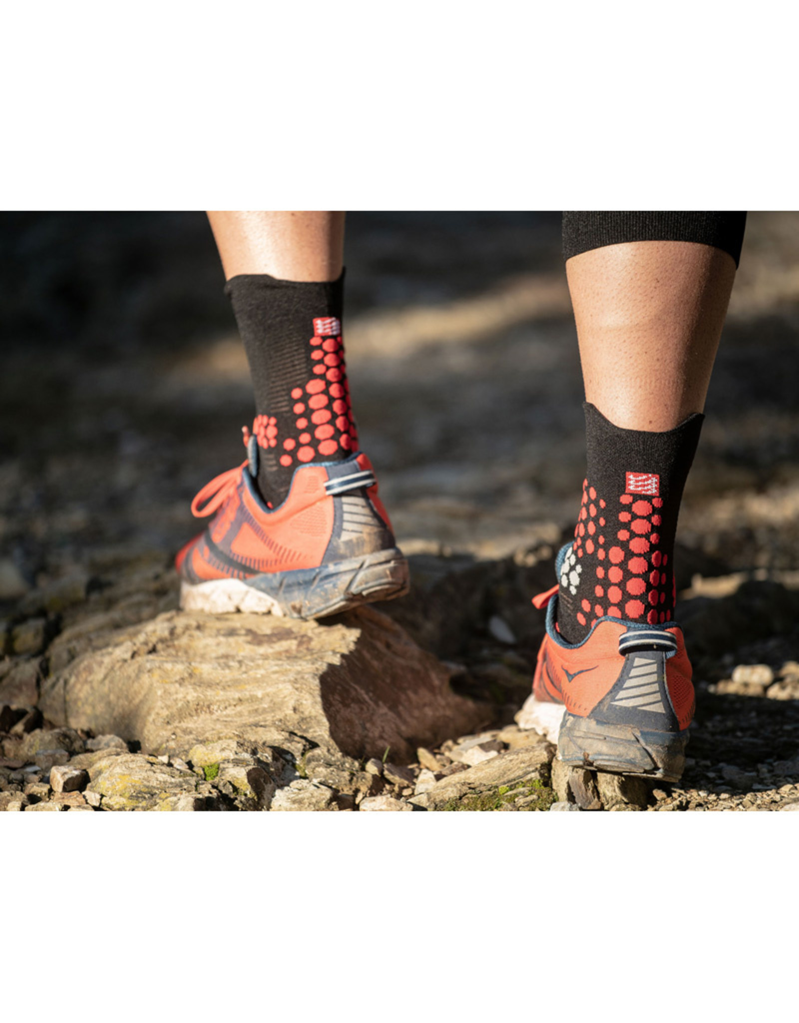 Compressport Pro Racing Socks V3.0 Trail Chaussettes De Running Haute - Noir/Rouge