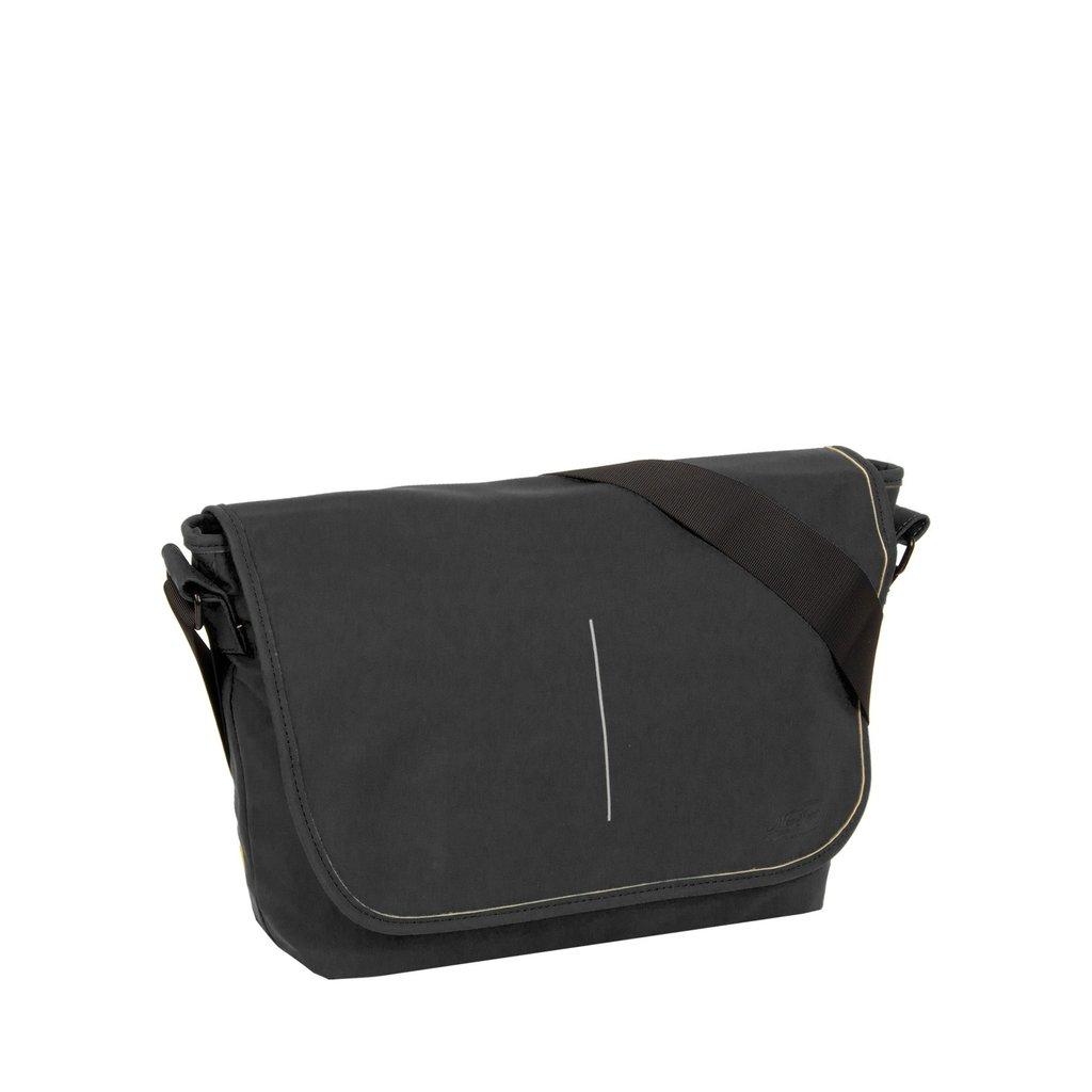 Mart Shoulderbag A4 Flapover Black VIII