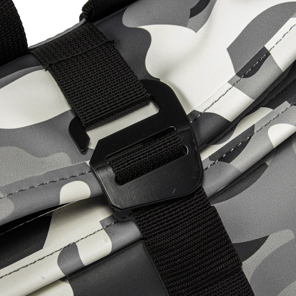 New-Rebels® Mart - Roll-Top - Backpack - Camouflage Army Dark - Small II - 27x8x33cm - Rucksack