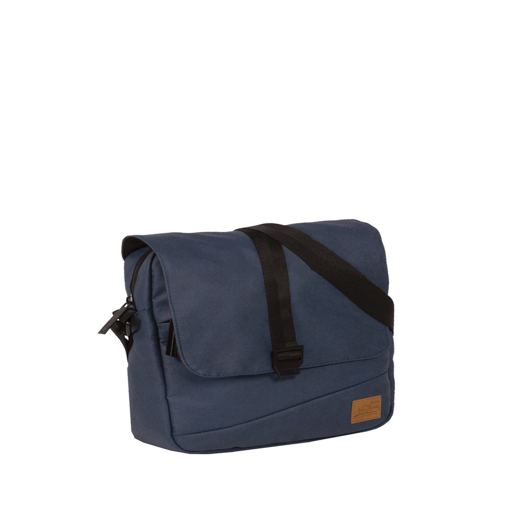 Waxed Medium Flap Navy