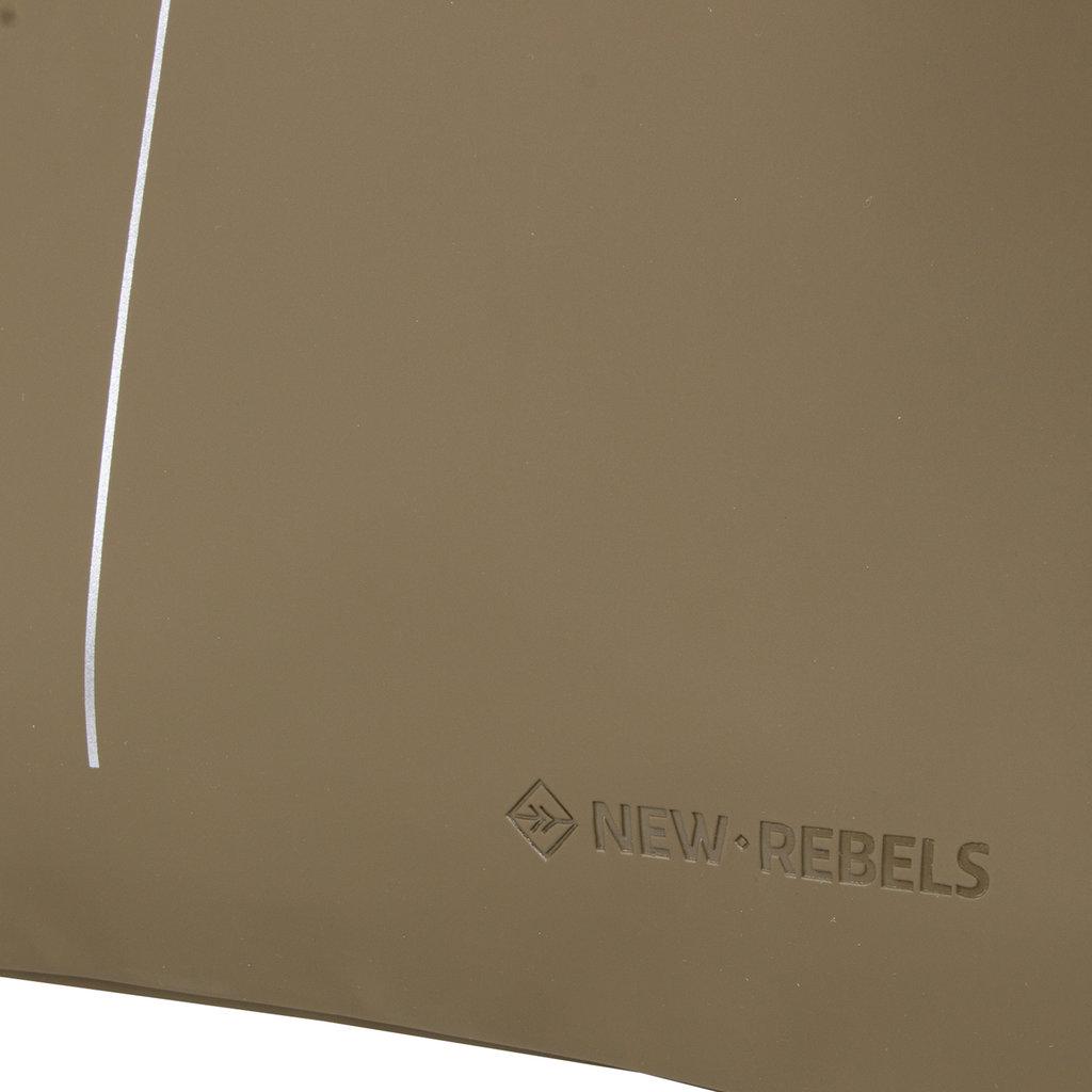 New Rebels® - Schoenentas - Zwemtas - Gymtas - 3L - Polyurethaan - Olijf