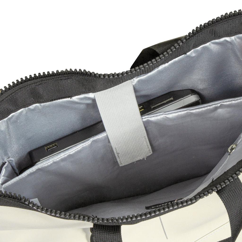 New Rebels® Mart - Waterafstotend -  Rugtas - Laptoptas 13,3 Inch. - Shopper - Wit