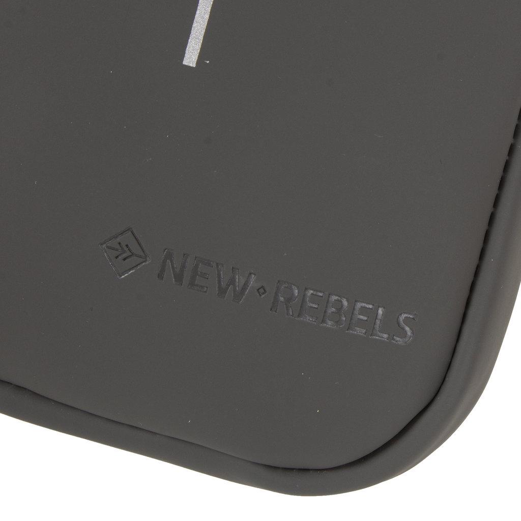 New-Rebels ® Tim - Waterafstotend - Telefoontas - Telefoontasje - antracite / occur