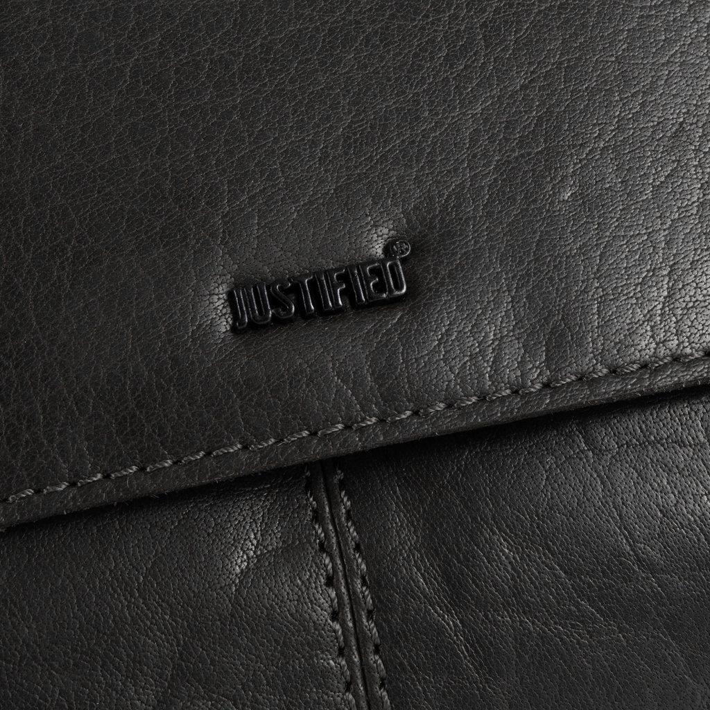 Titan Medium Flapover Black