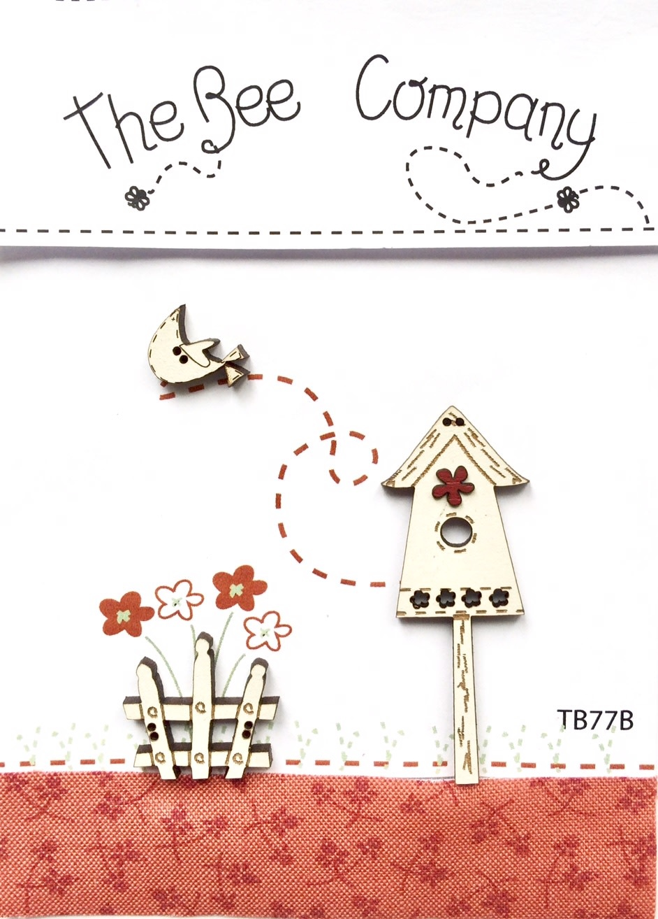 The Bee Company Buttons Birdgouse & Red Flower - TB77B