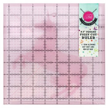 Tula Pink Hardware 8,5 inch Square Template with Unicorn - TULA PINK