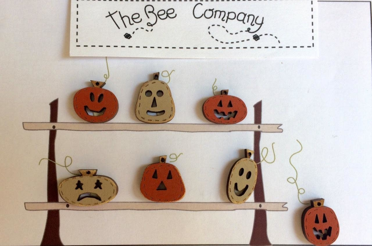 The Bee Company Buttons Pumpkins - TBHA8