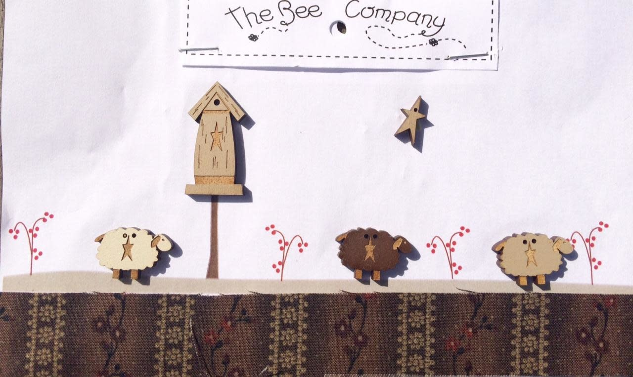The Bee Company Buttons -sheeps & birdhouse - TB79B