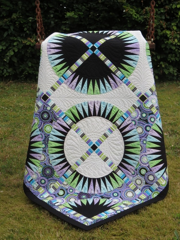 qbfabrics Black Beauty - paper piecing pattern