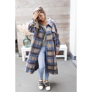 Oversized maxi coat squares