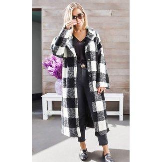 Oversized coat black and white squares
